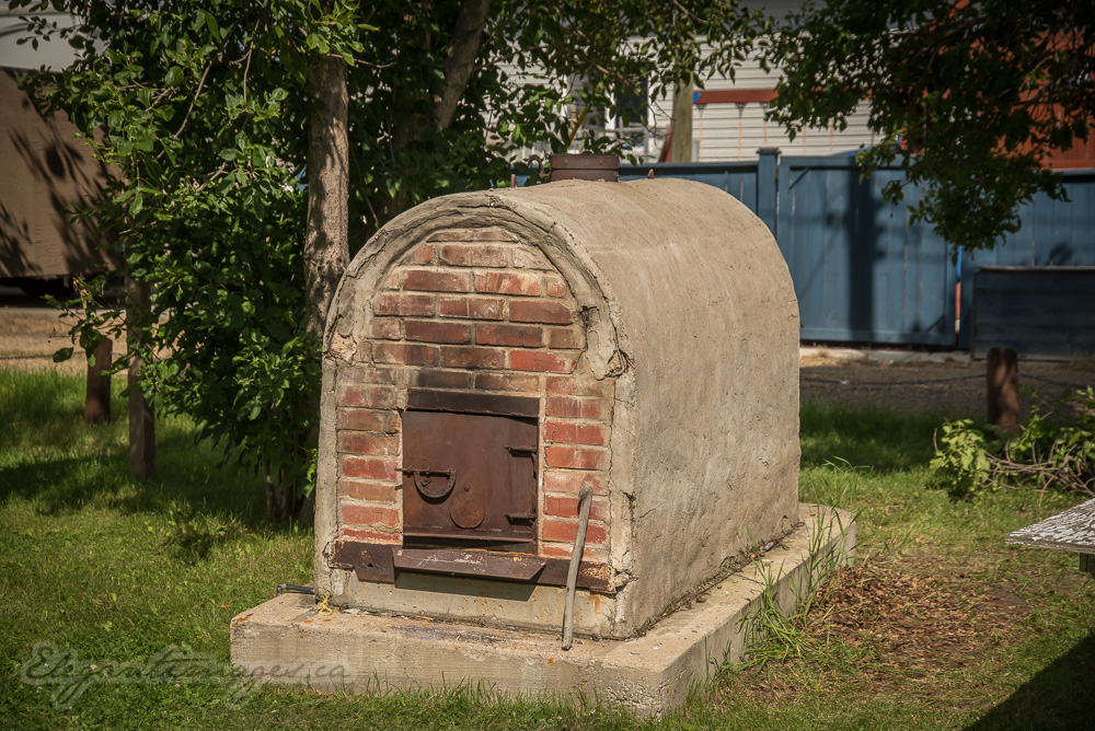 Outdoor Brick oven in Morrin alberta